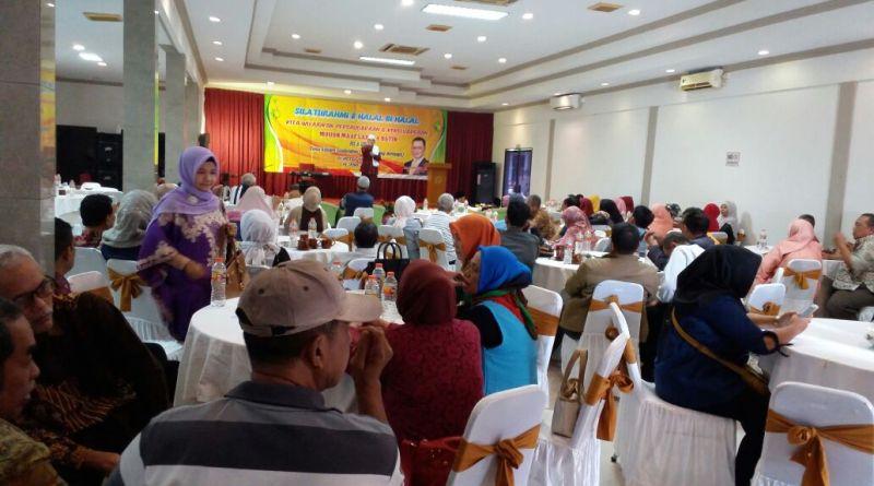 Momentum Halal Bihalal, Sudiro Rangkul Kembali Angkatan 74 SMAN Indramayu