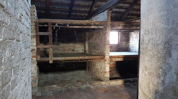 auschwitz prisoner cells