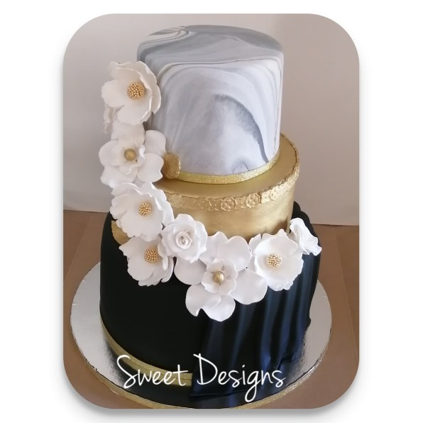 Marble effect Wedding Cake with edible flowers