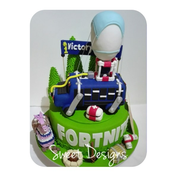 Fortnite Victory Royal Cake