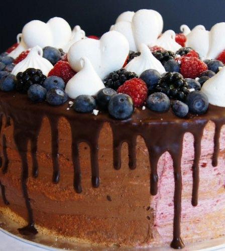 Naked Drip Torte mit Himbeer-Schoko-Buttercreme