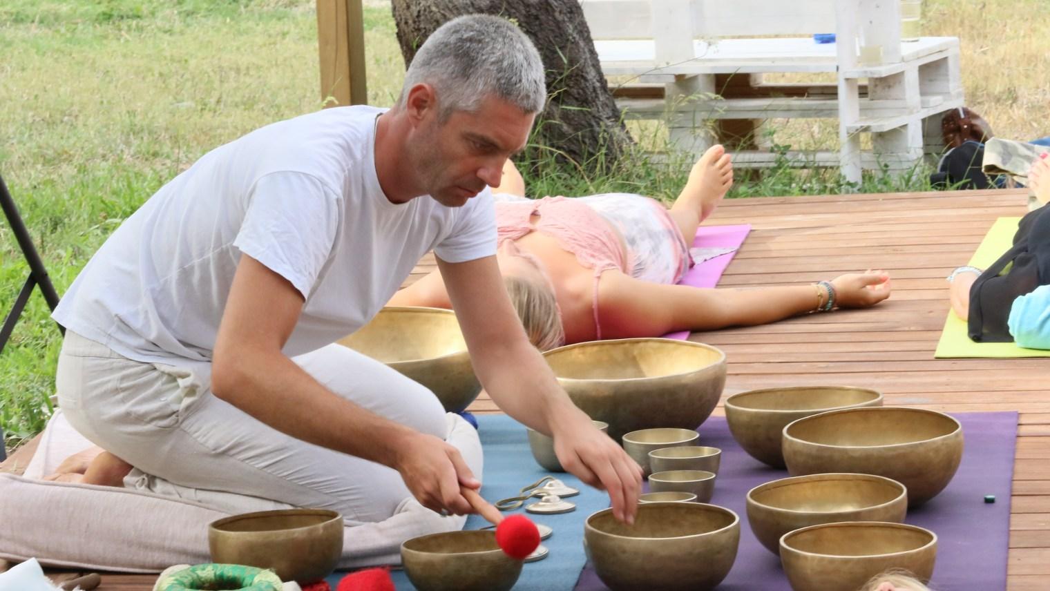 Sweet Om singing bowl meditation healing concert