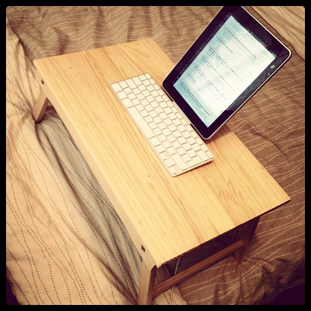 iPad bedtime blogging ritual