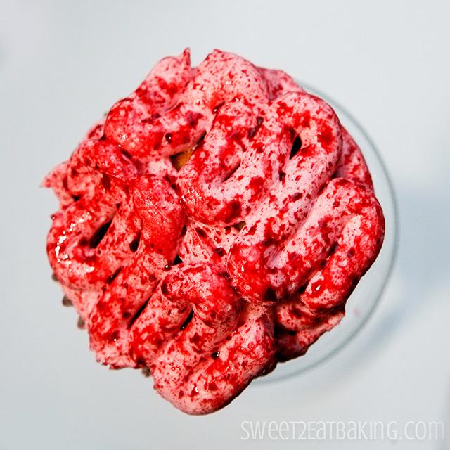 Halloween Bloody Brains Cupcakes