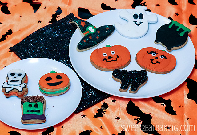 Halloween Cookies - Skull n' Crossbones, Frankenstein's Monster, Jack o' Lantern, Witches Hat, Friendly Ghost, Cauldron, Mr & Mrs Jack o Lantern, Black Cat