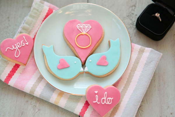 Honeywell Bakes Engagement Wedding Biscuit Gift Set