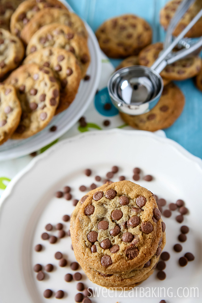 Delicious Brown Butter Chocolate Chip Cookies by Sweet2EatBaking.com