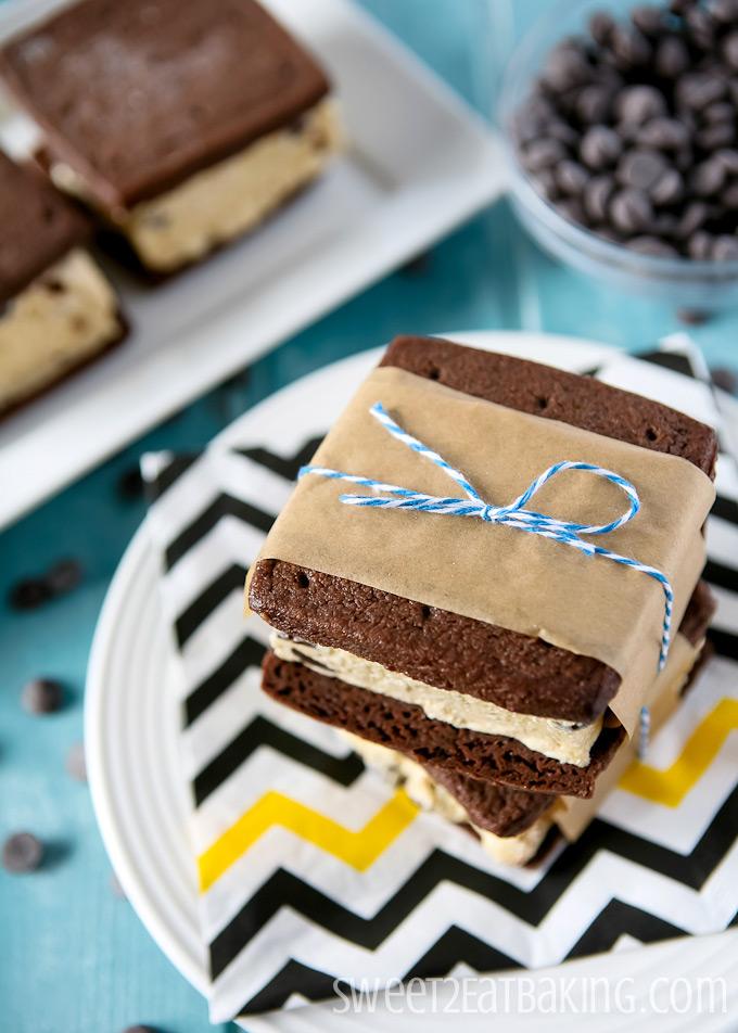 Cookie Dough Ice Cream Sandwiches | Sweet2EatBaking.com | #cookiedough #icecream #sandwiches #summer #recipe