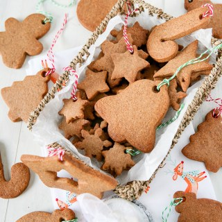 Speculoos / Biscoff Christmas Tree Decorations Cookies by Sweet2EatBaking.com #christmas #cookies #recipe