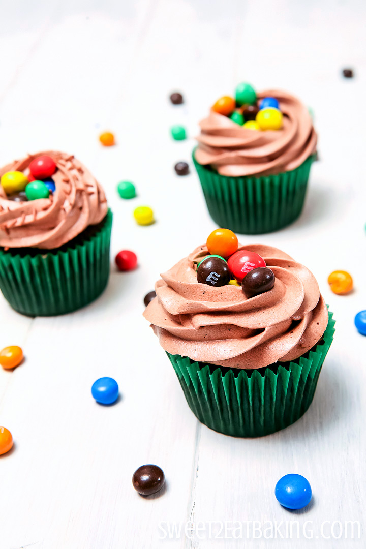 Crispy M&M Cupcakes by Sweet2EatBaking.com