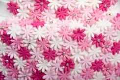 עוגת בת מצווה מעוצבת עם פרחים