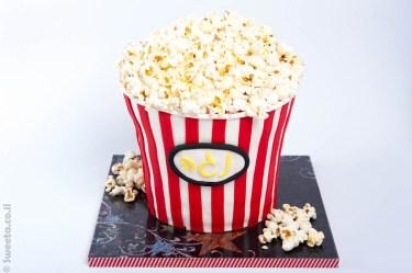 עוגת דלי פופקורן ענק מעוצב בבצק סוכר יום הולדת מהסרטים