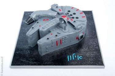עוגת חללית פלקון מילניום מלחמת הכוכבים מעוצבת בבצק סוכר