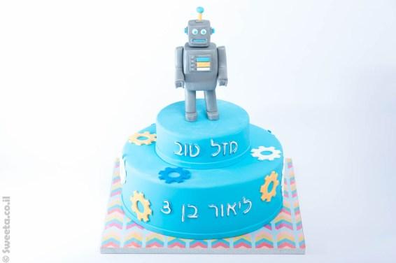 עוגת רובוט מעוצב מבצק סוכר