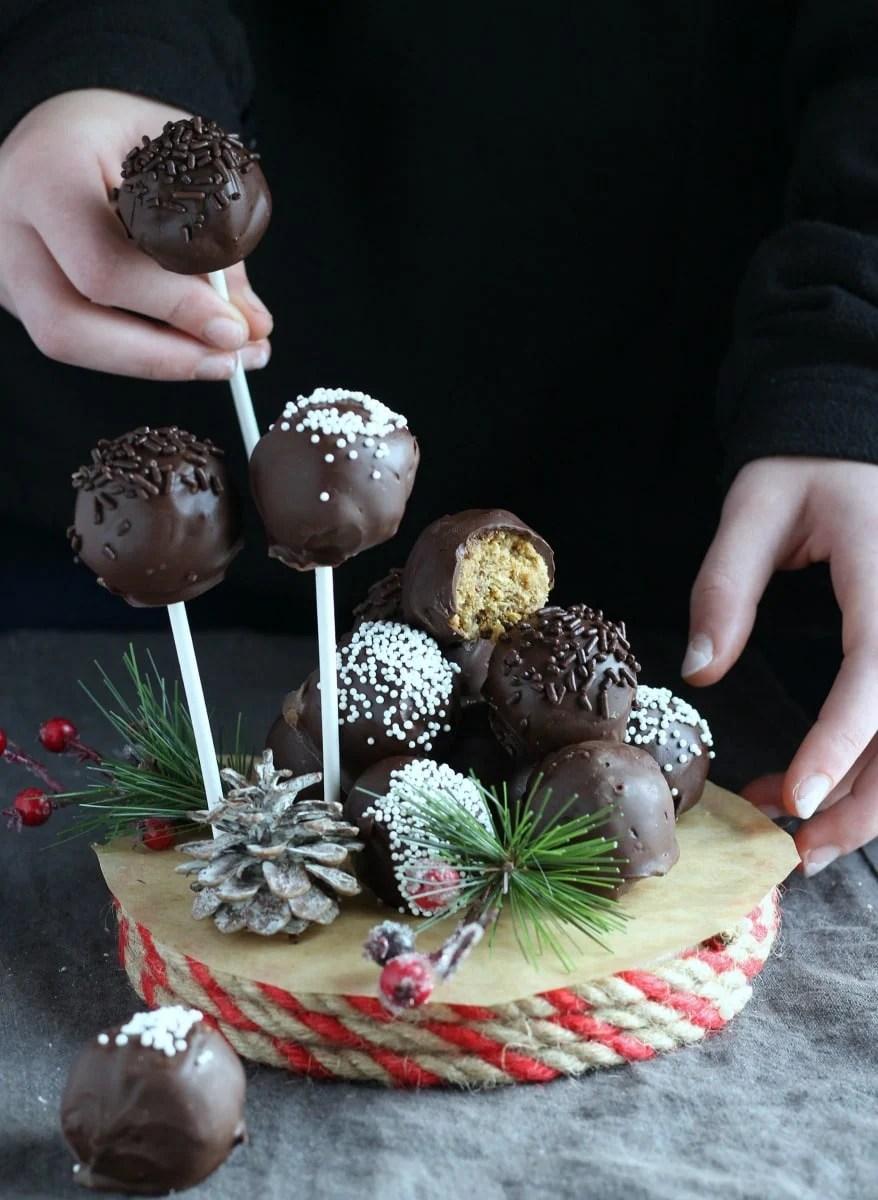 Easy No-Bake Christmas Truffles