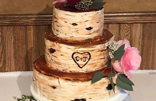 Birchbark outdoor wilderness wedding cake