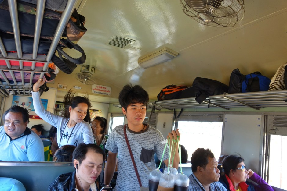 Thai trains: Fan, full and food