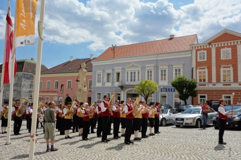 Traditional orchestra at the main square