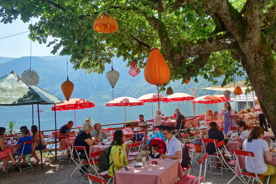 My bf and I had lunch at that beautiful restaurant last time in Hallstatt