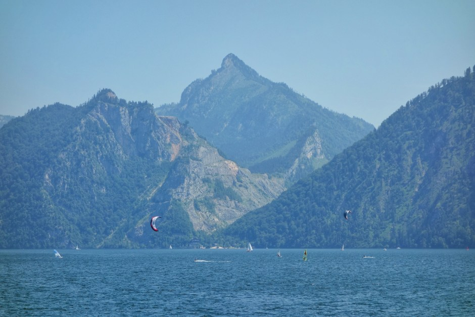 Kitesurfers at Traunsee