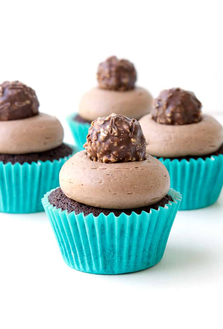 Nutella Stuffed Chocolate Cupcakes | sweetestmenu.com