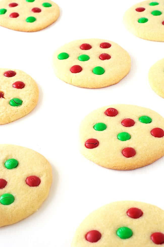 M&M Christmas Sugar Cookies | via sweetestmenu.com