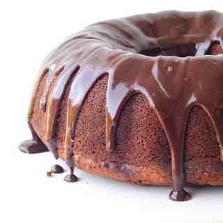 Big Banana Bundt Cake with Nutella Ganache