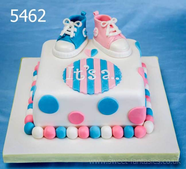 Baby shower cakes - White & blue cake with booties