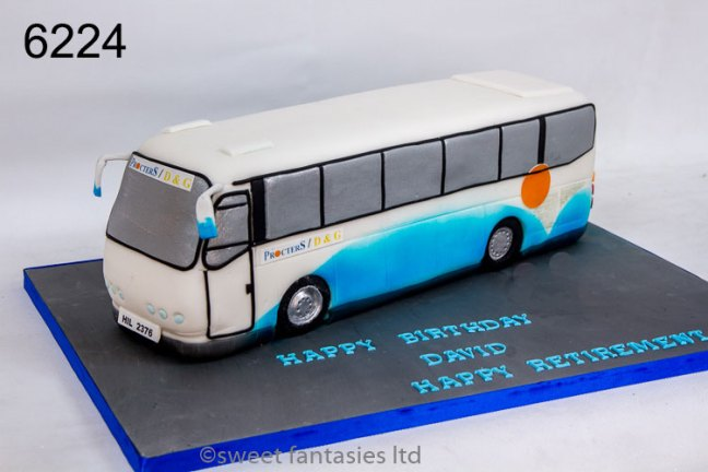 3D Bus (Coach) Birthday Cake