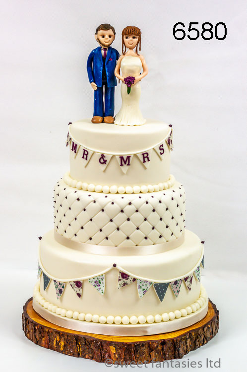 Wedding cake with bunting & quilt affect