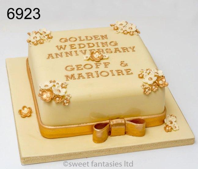 Cream & Gold, Golden wedding Anniversary Cake
