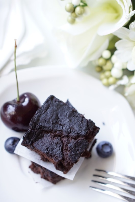 Healthy Berry Blender Brownies