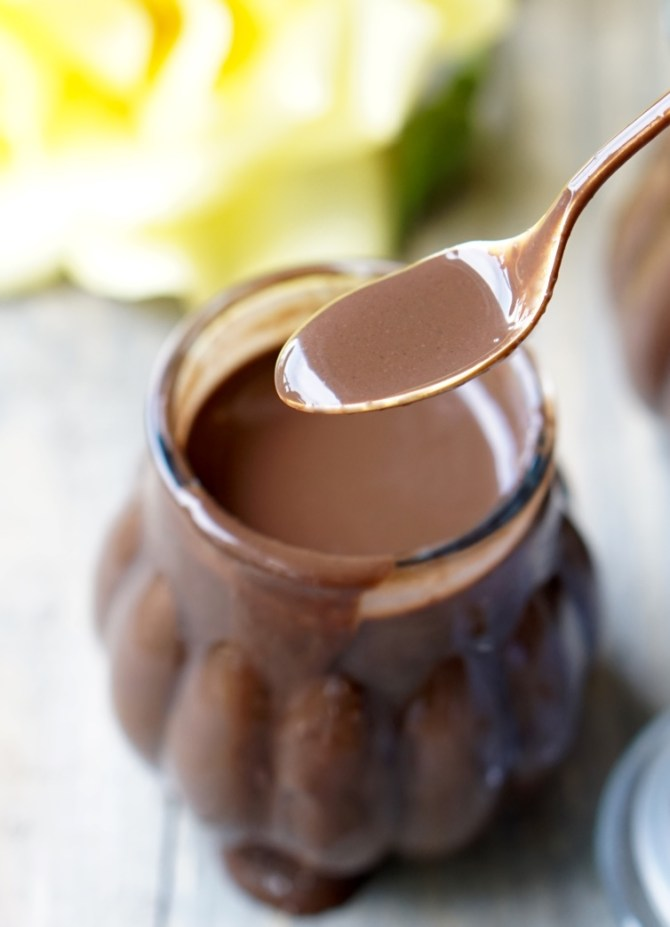 The Healthy Extra-Low Calorie Chocolate Sauce Recipe that is silky, sweet, chocolatty, all-natural, vegan, paleo, gluten-free and very simple to make!