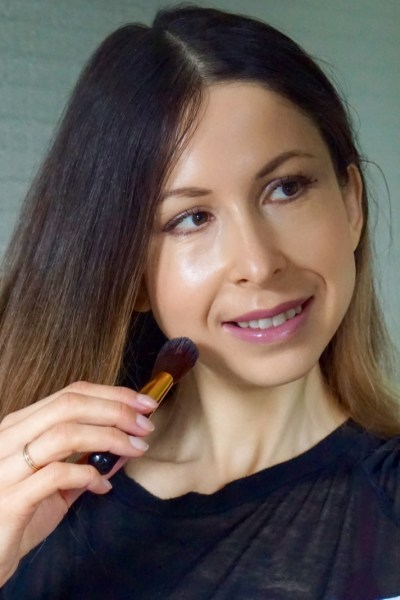 How to use foundation without hurting your skin