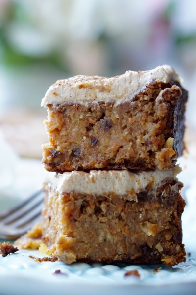 Healthy Low-Calorie Super-Moist Carrot Cake with Low-Calorie Cream Cheese & Dates Frosting!