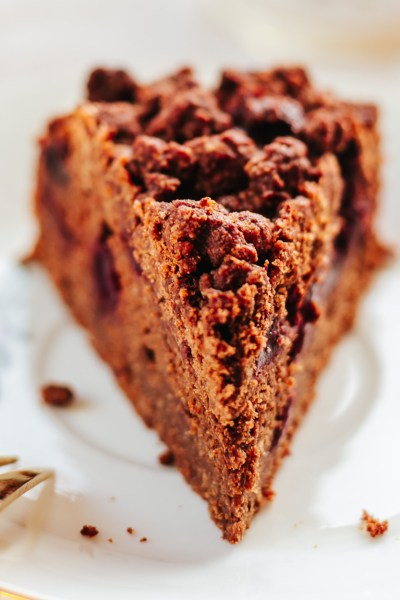 HEALTHY CHOCOLATE CHERRY COFFEE CAKE!