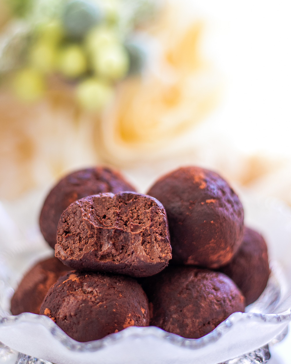 The Healthy Low-Calorie Truffles are naturally high in protein, low-fat, easy to make, taste like dark chocolate and they're just 25 calories a piece!