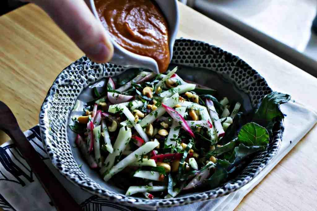 loam collaboration: kohlrabi slaw with sweet chili peanut dressing | via sweet miscellany #glutenfree #vegan #farmtotable