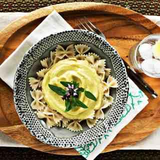 loam collaboration: cauliflower alfredo | plant based recipes via sweet miscellany