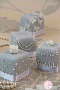 Mini cakes London