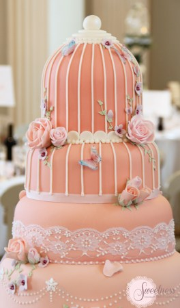 Birdcage wedding cake detail