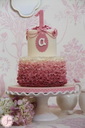 Ruffle birthday cake london, girls birthday cakes, 1st birthday cakes london, number one birthday cakes london