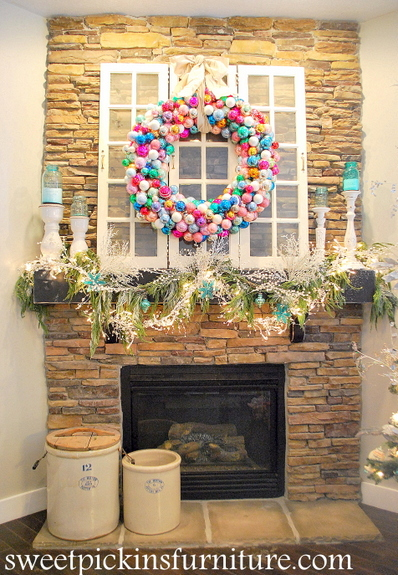 I know that ornament wreaths are nothing new. I remember when i first saw  one about 3 years ago (i cant remember the 1st one i saw)  i knew that i  ...