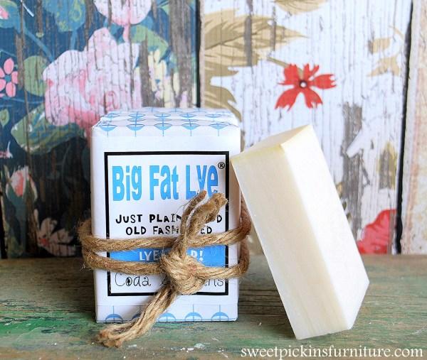 Big White Lye - brush cleaner