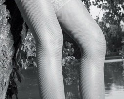 sweetpins-hosiery-trasparenze-ambra-fishnet-hold-ups