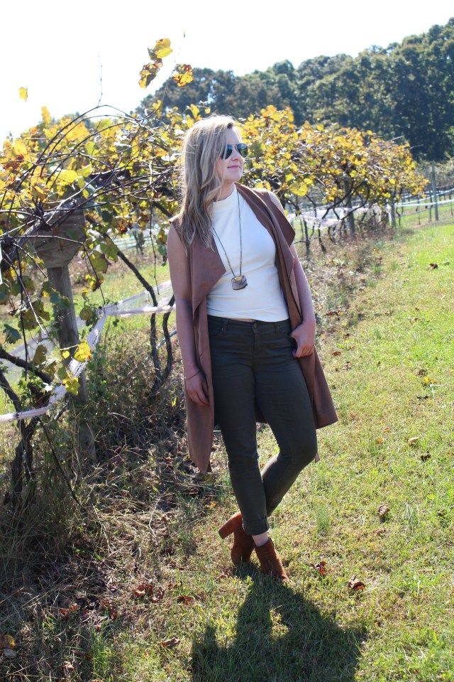 fall-outfit-olive-jeans