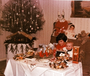 Weihnachten 1966 mit der kleinen Schwester
