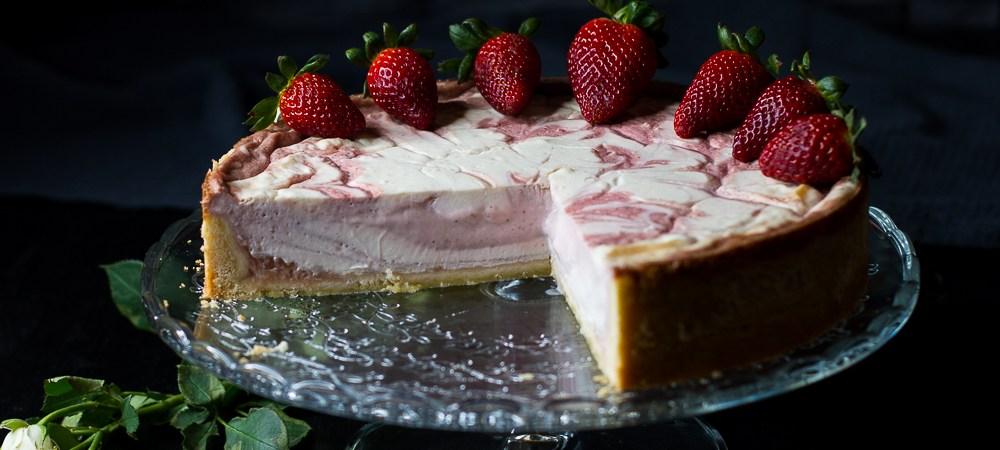 Erdbeer-Rhabarber-Cheesecake … (vegan)