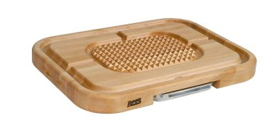 HOLIDAY GIFT GUIDE GIVEAWAY - John Boos Pryamid Design Carving Board Giveaway