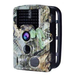 HOLIDAY GIFT GUIDE GIVEAWAY - Tracker Trail Camera Holiday Gift Guide Giveaway